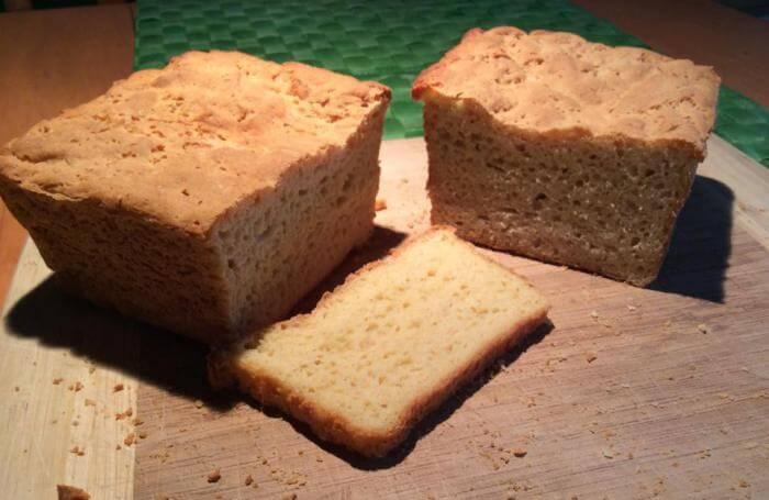 Pain à sandwich et à rôties sans gluten, œufs, arachides